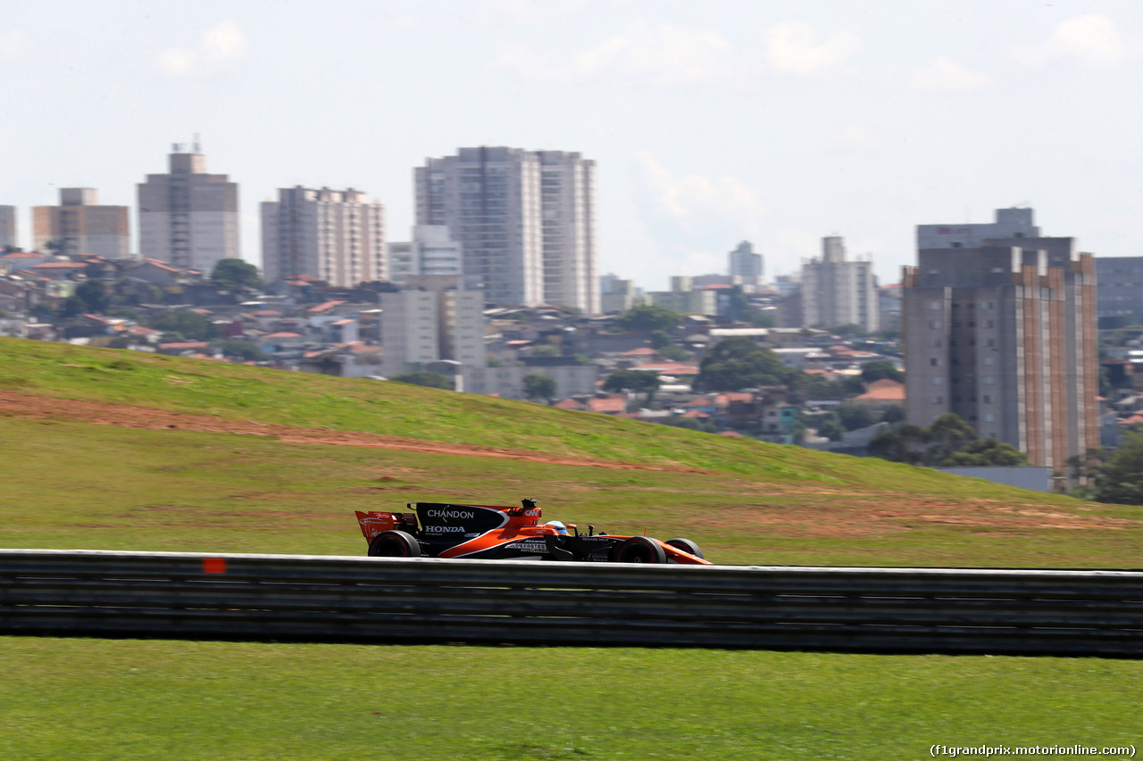 GP BRASILE, 10.11.2017 - Prove Libere 1, Fernando Alonso (ESP) McLaren MCL32