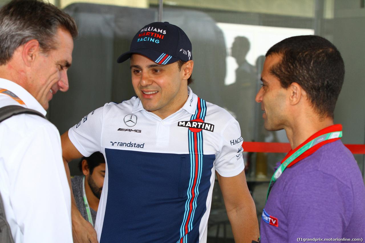 GP BRASILE, 10.11.2017 - Prove Libere 1, (L-R) Felipe Giaffone (BRA), FIA Steward, Felipe Massa (BRA) Williams FW40