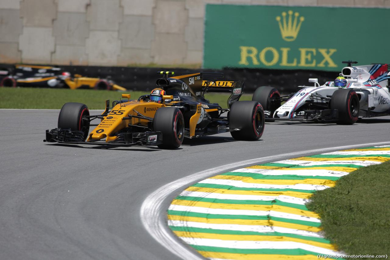 GP BRASILE, 10.11.2017 - Prove Libere 1, Carlos Sainz Jr (ESP) Renault Sport F1 Team RS17 e Felipe Massa (BRA) Williams FW40
