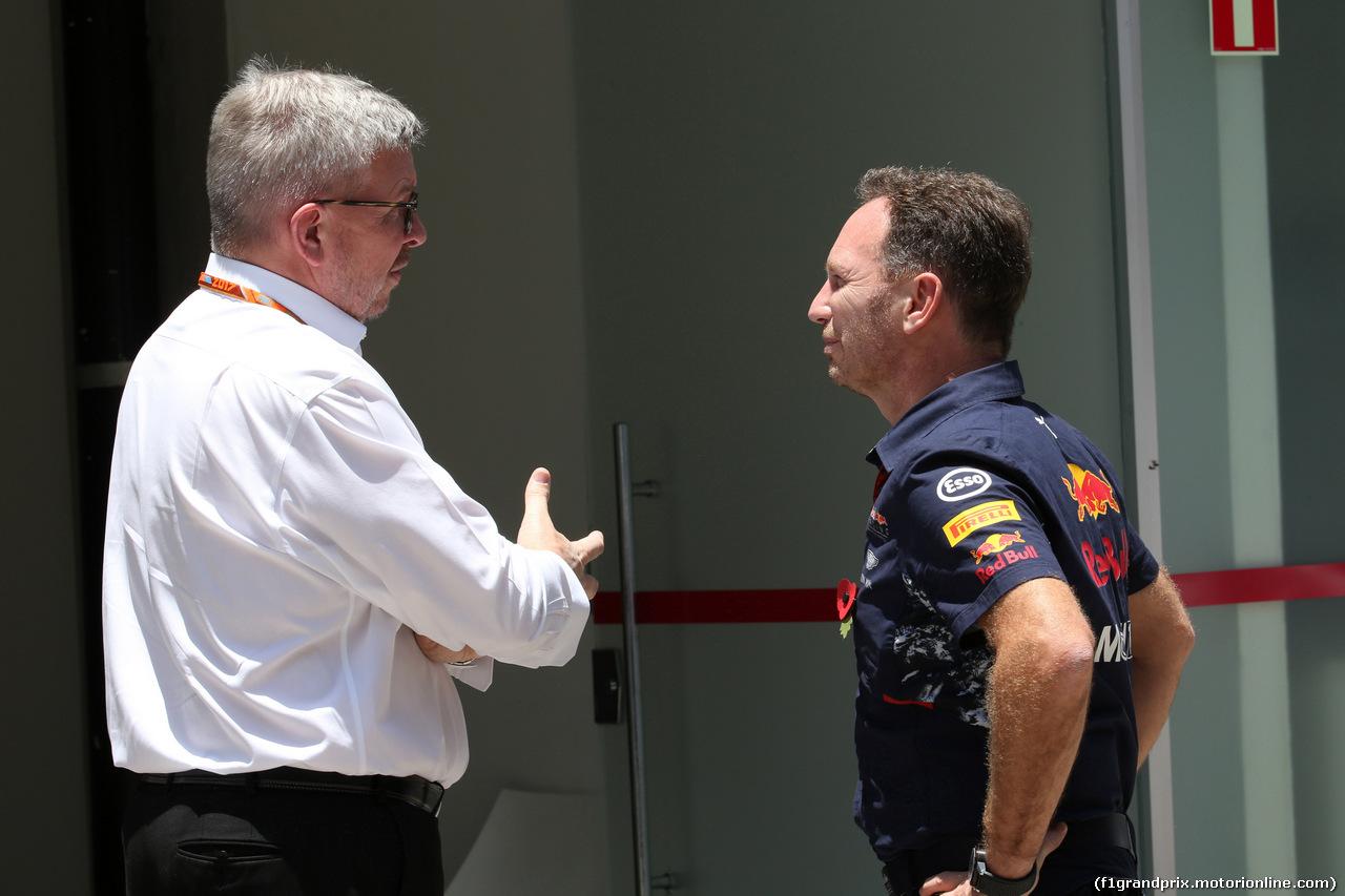 GP BRASILE, 10.11.2017 - Prove Libere 1, Ross Brawn (GBR) Formula One Managing Director of Motorsports e Christian Horner (GBR), Red Bull Racing, Sporting Director