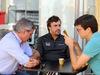 GP BRASILE, 10.11.2017 - Free Practice 1, Carlos Sainz Jr (ESP) Renault Sport F1 Team RS17 e Fernando Alonso (ESP) McLaren MCL32