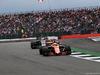 GP GRAN BRETAGNA, 16.07.2017 - Gara, Fernando Alonso (ESP) McLaren MCL32 e Kevin Magnussen (DEN) Haas F1 Team VF-17