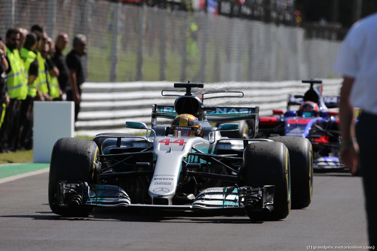 GP ITALIA, 03.09.2017- Festeggiamenti in parc fermee, Lewis Hamilton (GBR) Mercedes AMG F1 W08