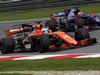 GP MALESIA, 29.09.2017 - Free Practice 2, Fernando Alonso (ESP) McLaren MCL32 e Pierre Gasly (FRA) Scuderia Toro Rosso STR12