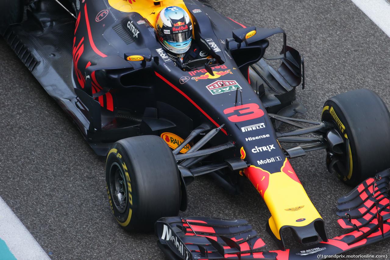 TEST ABU DHABI 28 NOVEMBRE, Daniel Ricciardo (AUS) Red Bull Racing RB13. 28.11.2017.