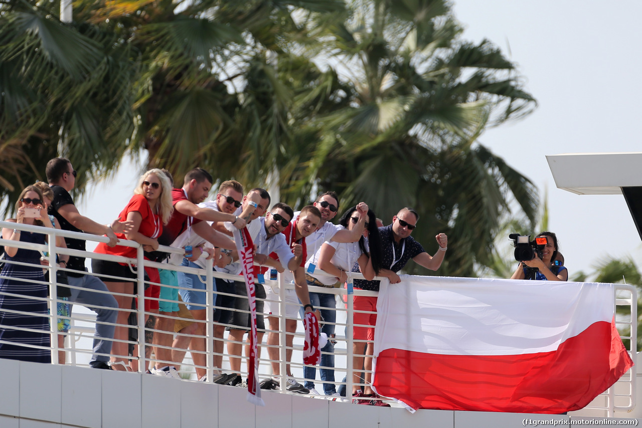 TEST ABU DHABI 28 NOVEMBRE, Fans of Robert Kubica (POL), Williams F1 Team 28.11.2017.