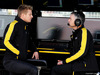 TEST F1 BARCELLONA 1 MARZO, (L to R): Nico Hulkenberg (GER) Renault Sport F1 Team with Nick Chester (GBR) Renault Sport F1 Team Chassis Technical Director. 01.03.2017.