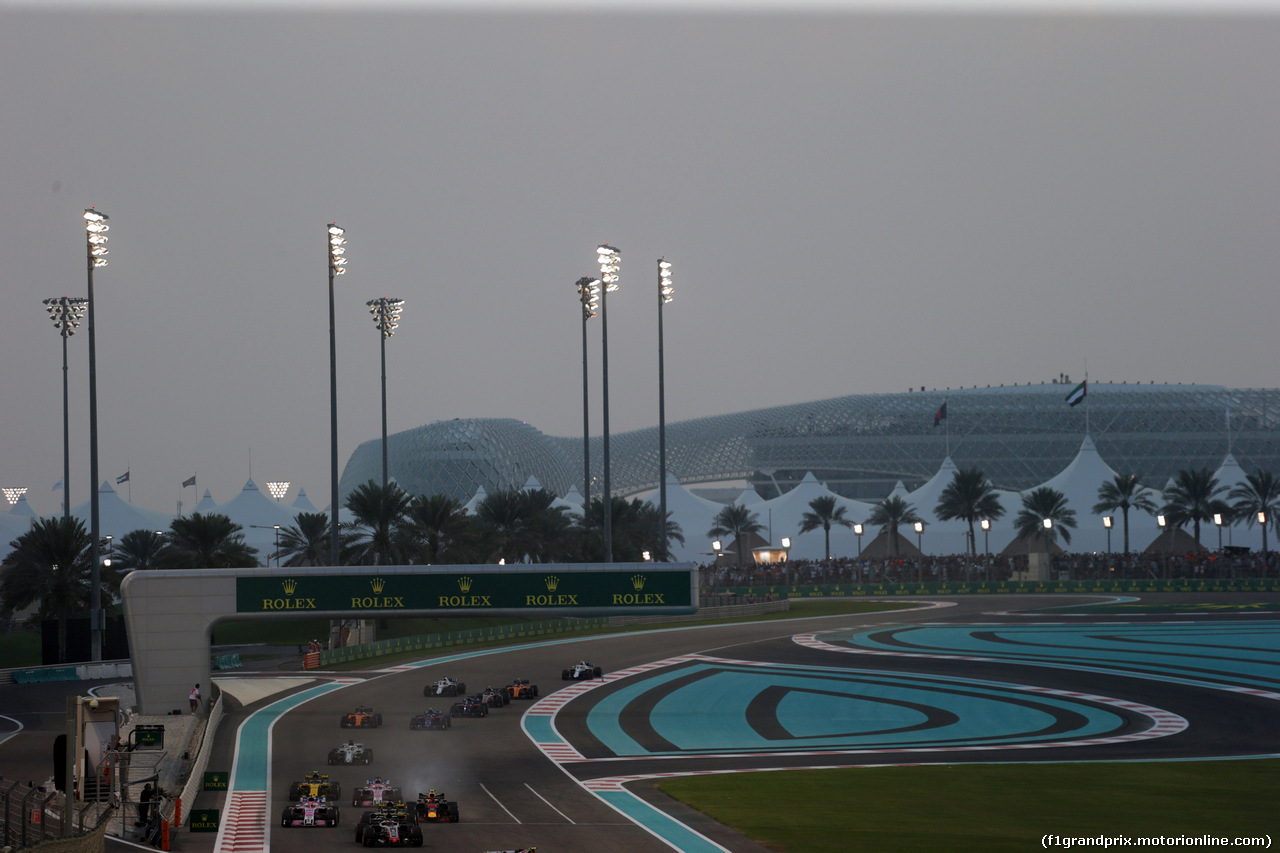 GP ABU DHABI, 25.11.2018 - Gara, Max Verstappen (NED) Red Bull Racing RB14