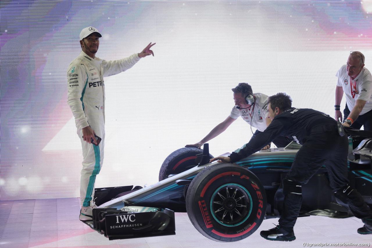 GP ABU DHABI, 25.11.2018 - Gara, Lewis Hamilton (GBR) Mercedes AMG F1 W09 vincitore