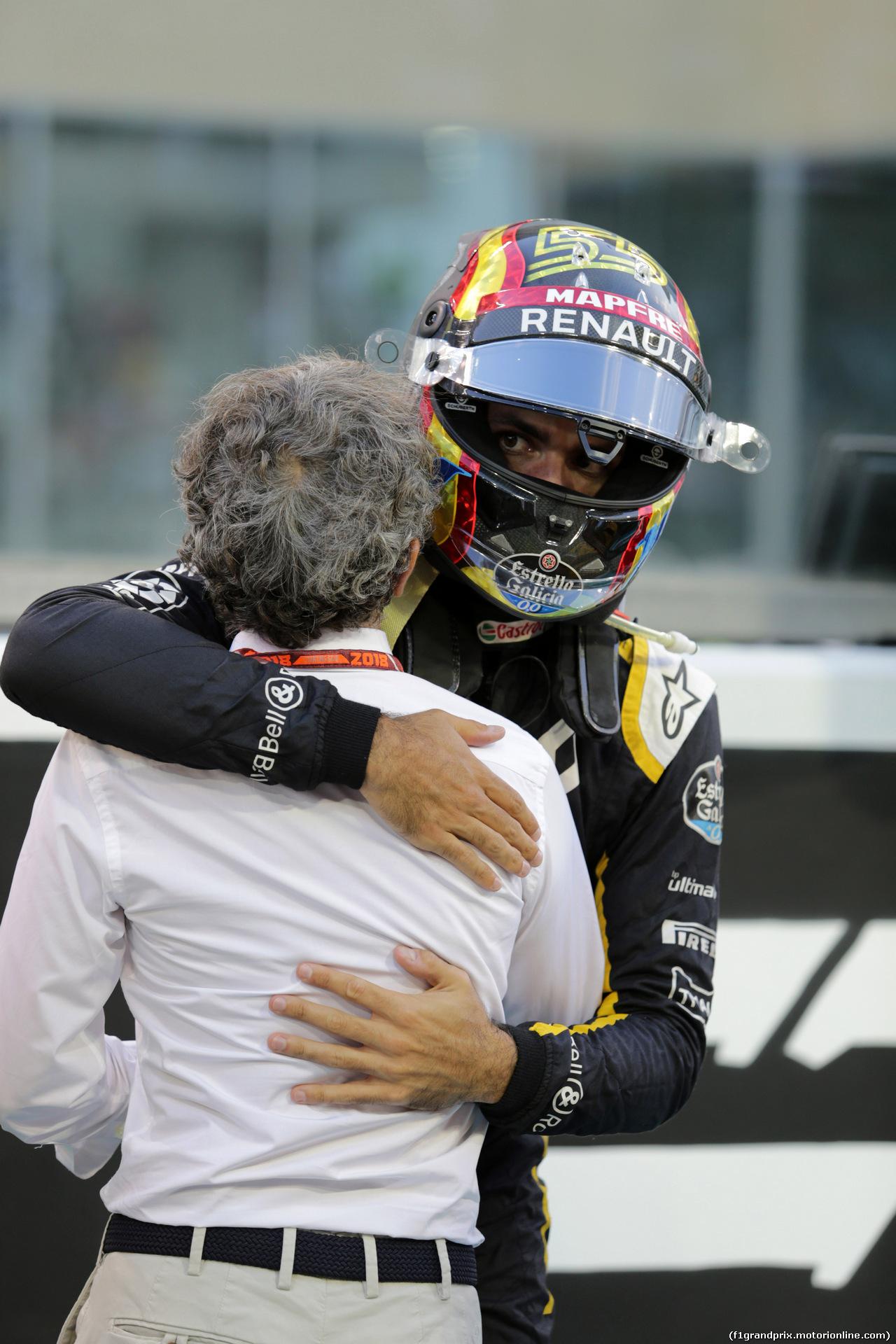GP ABU DHABI, 25.11.2018 - Gara, Carlos Sainz Jr (ESP) Renault Sport F1 Team RS18 e Alain Prost (FRA) Renault Sport F1 Team Special Advisor