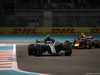 GP ABU DHABI, 25.11.2018 - Gara, Valtteri Bottas (FIN) Mercedes AMG F1 W09 e Max Verstappen (NED) Red Bull Racing RB14