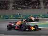 GP ABU DHABI, 25.11.2018 - Gara, Daniel Ricciardo (AUS) Red Bull Racing RB14 davanti a Max Verstappen (NED) Red Bull Racing RB14