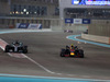 GP ABU DHABI, 25.11.2018 - Gara, Lewis Hamilton (GBR) Mercedes AMG F1 W09 e Max Verstappen (NED) Red Bull Racing RB14