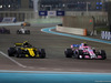 GP ABU DHABI, 25.11.2018 - Gara, Carlos Sainz Jr (ESP) Renault Sport F1 Team RS18 e Esteban Ocon (FRA) Racing Point Force India F1 VJM11