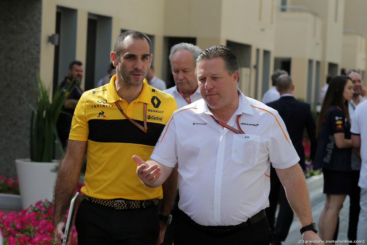 GP ABU DHABI, 24.11.2018 - Prove Libere 3, Cyril Abiteboul (FRA) Renault Sport F1 Managing Director e Zak Brown (USA) McLaren Executive Director
