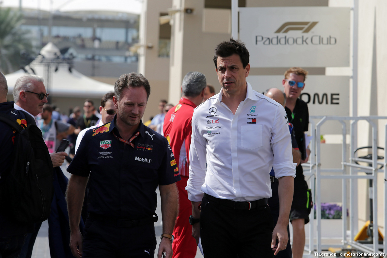 GP ABU DHABI, 24.11.2018 - Prove Libere 3, Christian Horner (GBR), Red Bull Racing, Sporting Director e Toto Wolff (GER) Mercedes AMG F1 Shareholder e Executive Director