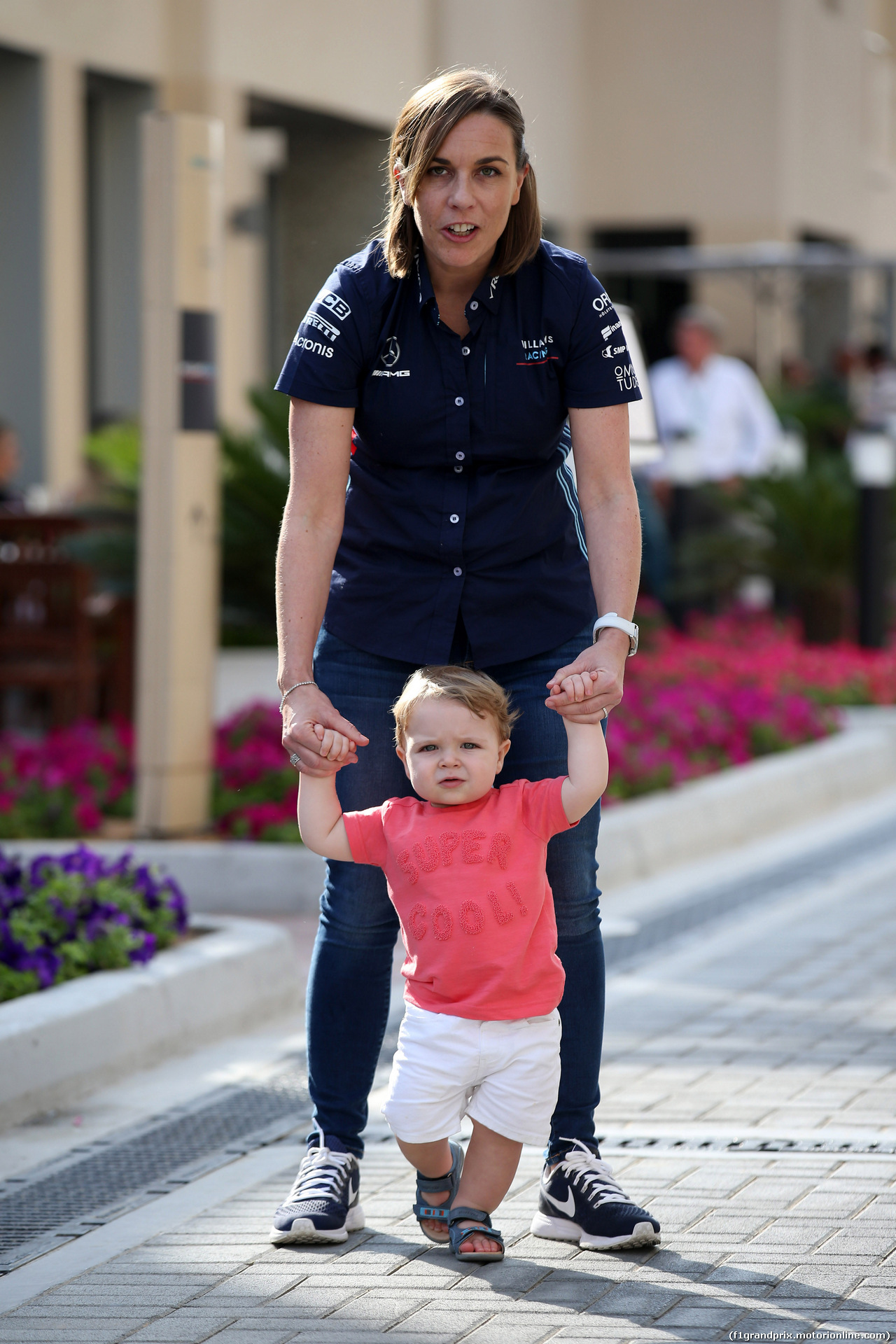 GP ABU DHABI, 24.11.2018 - Prove Libere 3, Claire Williams (GBR) Williams Deputy Team Principal with her son Nathanial (Nate)