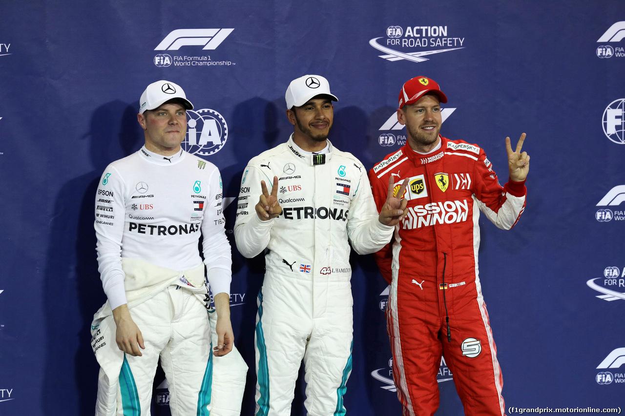 GP ABU DHABI, 24.11.2018 - Qualifiche, 2nd place Valtteri Bottas (FIN) Mercedes AMG F1 W09, Lewis Hamilton (GBR) Mercedes AMG F1 W09 pole position e 3rd place Sebastian Vettel (GER) Ferrari SF71H