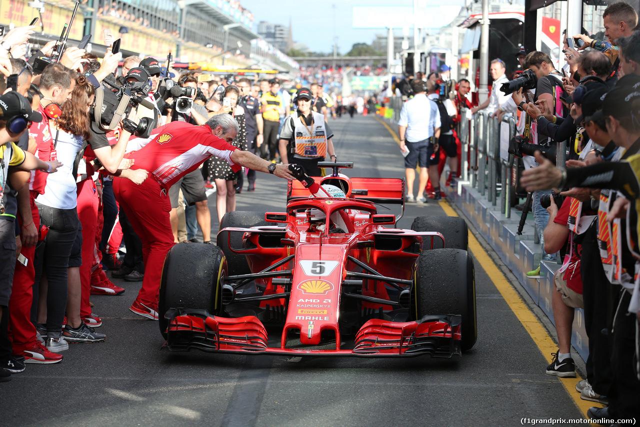 GP AUSTRALIA, 25.03.2018 - Gara, Sebastian Vettel (GER) Ferrari SF71H vincitore e Maurizio Arrivabene (ITA) Ferrari Team Principal