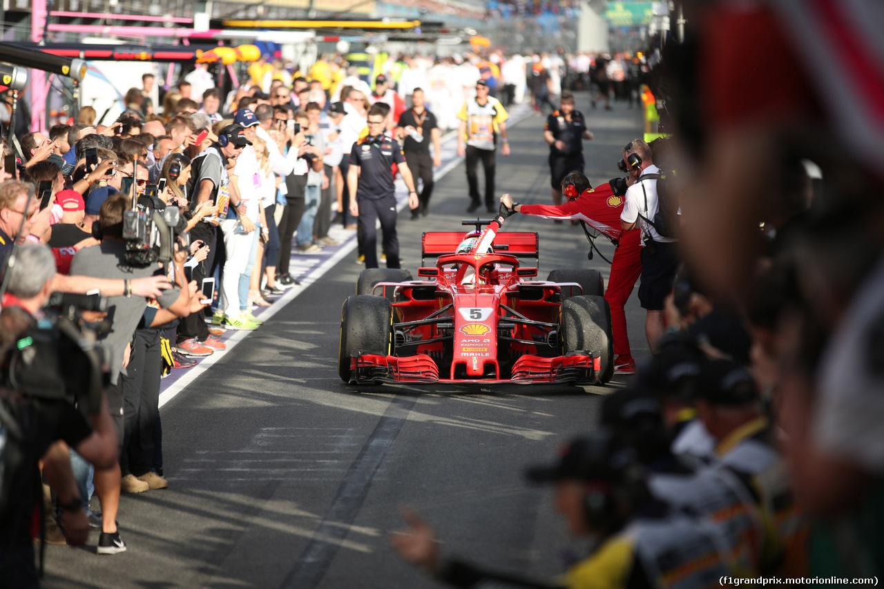 GP AUSTRALIA, 25.03.2018 - Gara, Sebastian Vettel (GER) Ferrari SF71H vincitore e Riccardo Adami (ITA) Ferrari Gara Engineer