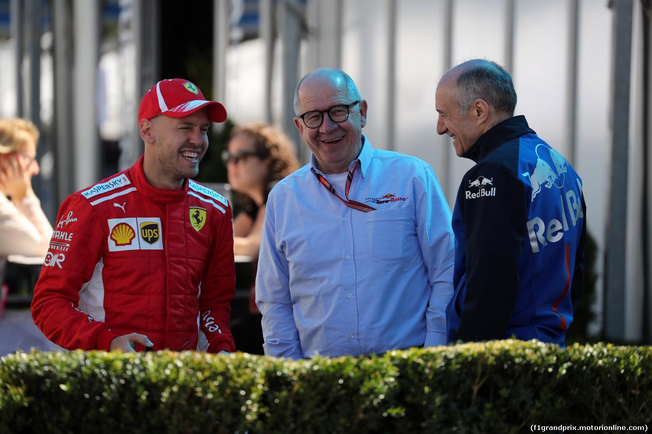 GP AUSTRALIA, 22.03.2018 - (L-R) Sebastian Vettel (GER) Ferrari SF71H e Franz Tost, Scuderia Toro Rosso, Team Principal