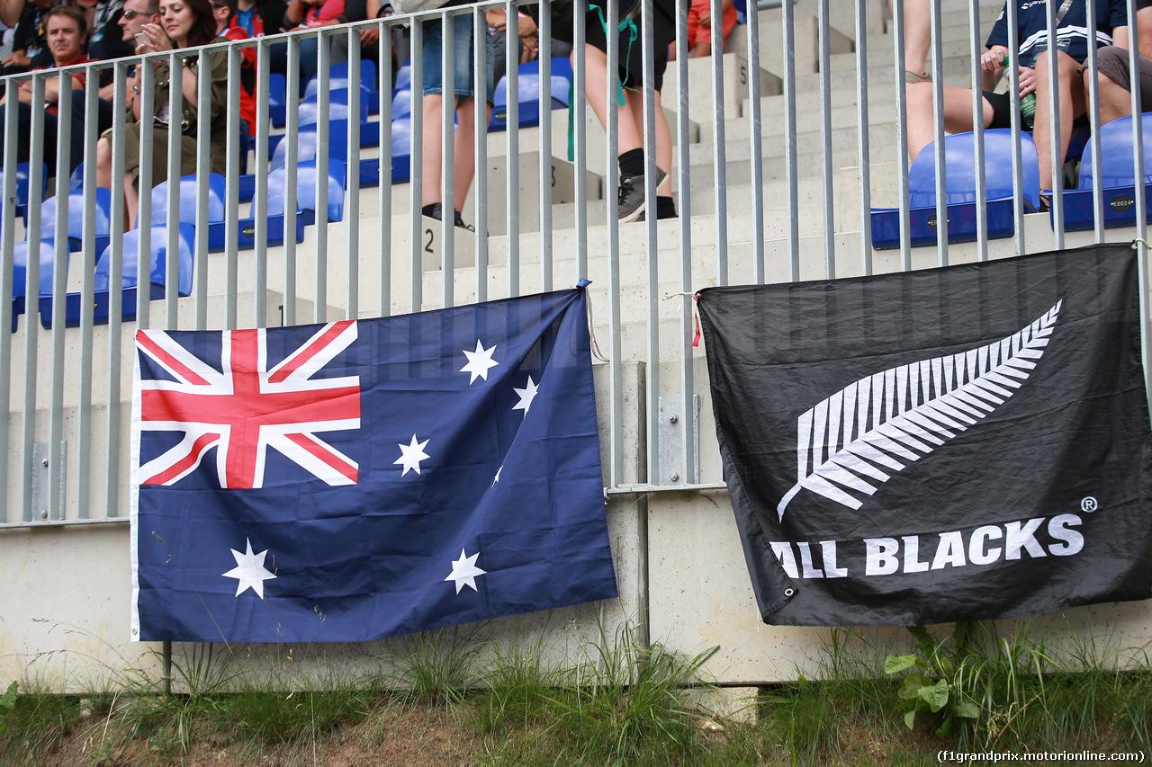 GP AUSTRIA, 30.06.2018- Qualifiche, flags