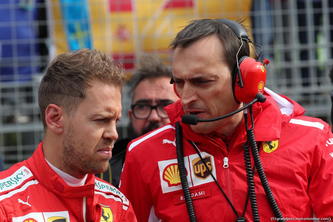 GP AZERBAIJAN, 29.04.2018 - Gara, Sebastian Vettel (GER) Ferrari SF71H e Riccardo Adami (ITA) Ferrari Gara Engineer