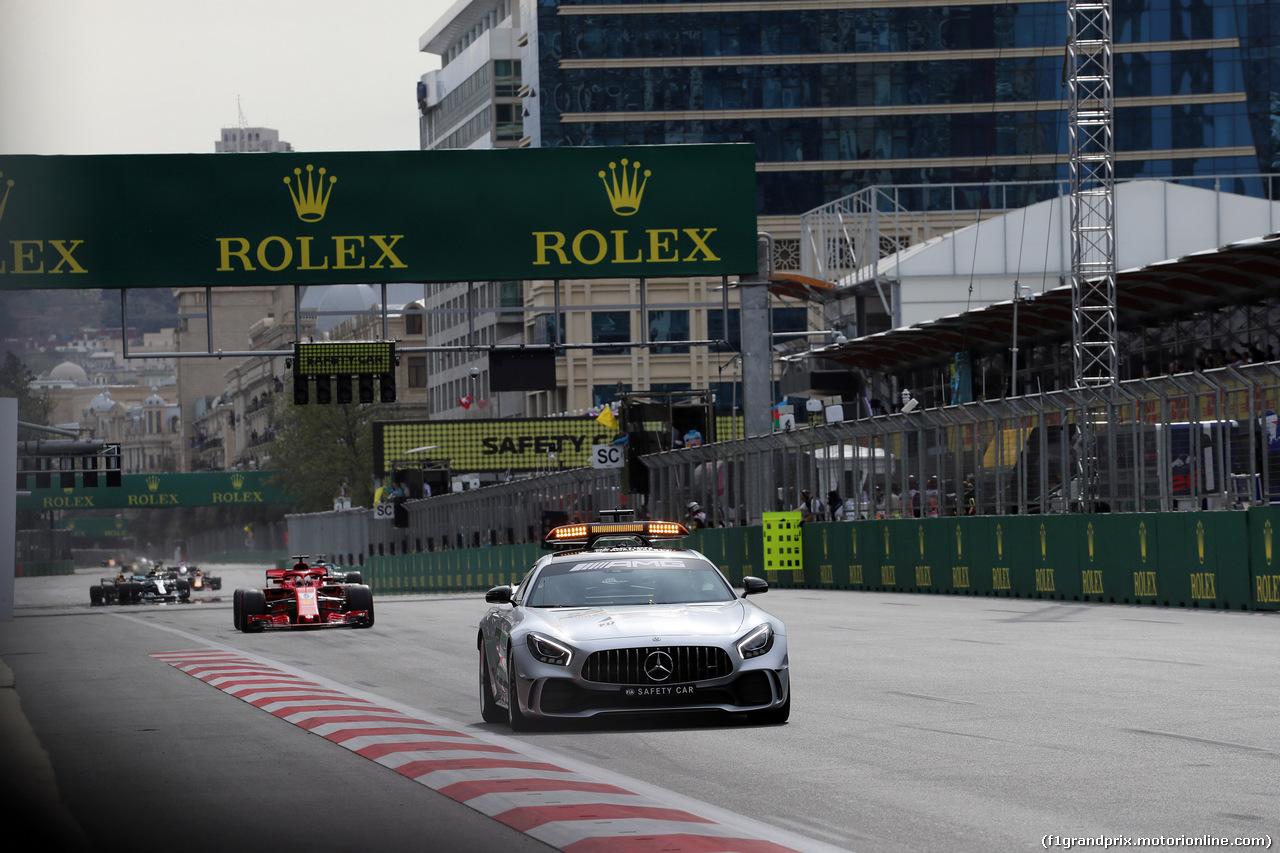GP AZERBAIJAN, 29.04.2018 - Gara, The Safety car e Sebastian Vettel (GER) Ferrari SF71H