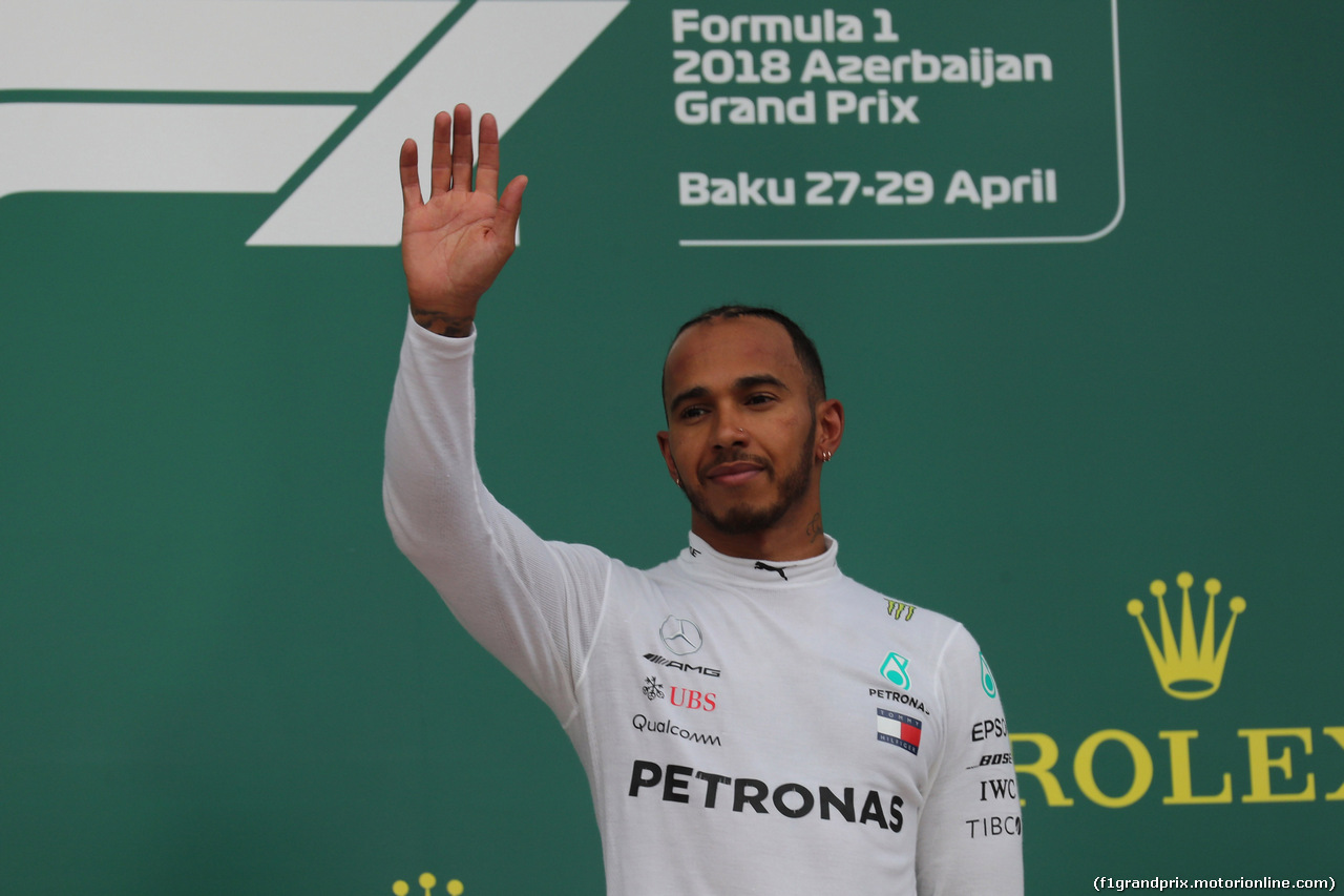 GP AZERBAIJAN, 29.04.2018 - Gara, Lewis Hamilton (GBR) Mercedes AMG F1 W09 vincitore