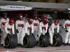 GP AZERBAIJAN, 29.04.2018 - Sauber meccanici with Pirelli Tyres
