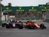 GP AZERBAIJAN, 29.04.2018 - Gara, Stoffel Vandoorne (BEL) McLaren MCL33 davanti a  Romain Grosjean (FRA) Haas F1 Team VF-18