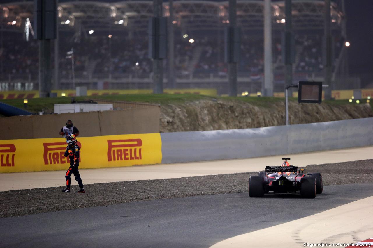GP BAHRAIN, 08.04.2018 - Gara, Daniel Ricciardo (AUS) Red Bull Racing RB14 retires from the race