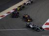 GP BAHRAIN, 08.04.2018 - Gara, Lewis Hamilton (GBR) Mercedes AMG F1 W09 davanti a Max Verstappen (NED) Red Bull Racing RB14