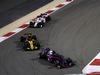 GP BAHRAIN, 08.04.2018 - Gara, Brendon Hartley (NZL) Scuderia Toro Rosso STR13 davanti a Carlos Sainz Jr (ESP) Renault Sport F1 Team RS18