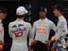 GP BAHRAIN, 05.05.2018 - Max Verstappen (NED) Red Bull Racing RB14, Pierre Gasly (FRA) Scuderia Toro Rosso STR13, Daniel Ricciardo (AUS) Red Bull Racing RB14 e Brendon Hartley (NZL) Scuderia Toro Rosso STR13