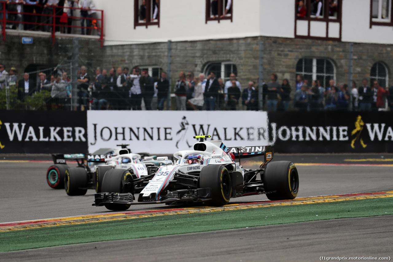 GP BELGIO, 26.08.2018 - Gara, Sergey Sirotkin (RUS) Williams FW41 davanti a Lance Stroll (CDN) Williams FW41