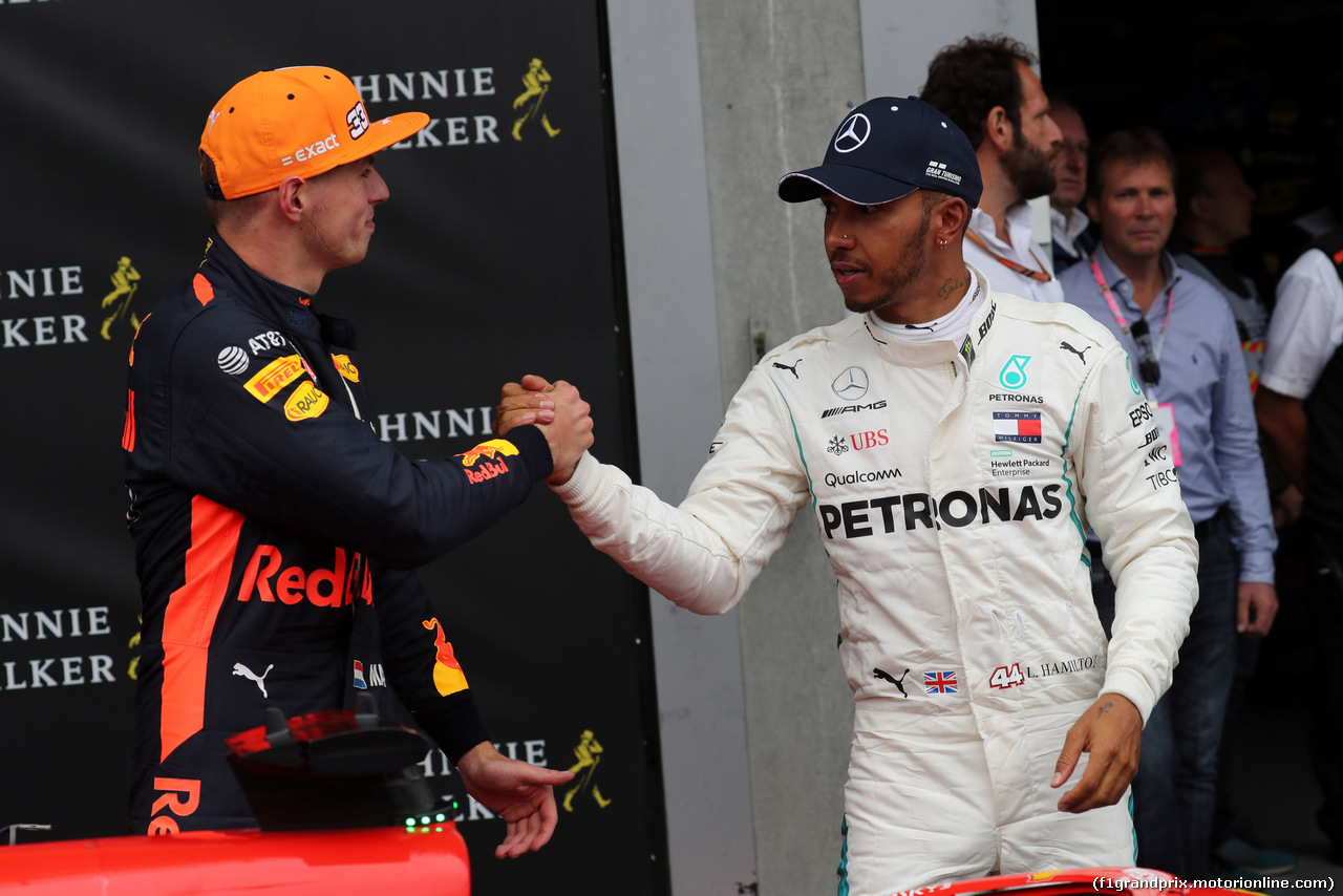 GP BELGIO, 26.08.2018 - Gara, 3rd place Max Verstappen (NED) Red Bull Racing RB14 e 2nd place Lewis Hamilton (GBR) Mercedes AMG F1 W09