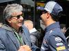 GP BELGIO, 25.08.2018 - Qualifiche, Pasquale Lattuneddu (ITA) e Daniel Ricciardo (AUS) Red Bull Racing RB14