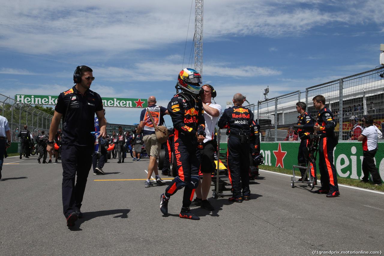 GP CANADA, 10.06.2018- Gara, the partenzaing grid: Daniel Ricciardo (AUS) Red Bull Racing RB14