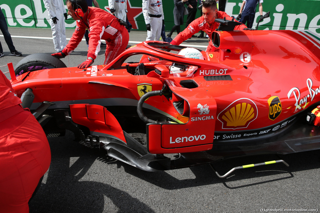 GP CINA, 15.04.2018- partenzaing grid, Sebastian Vettel (GER) Ferrari SF71H