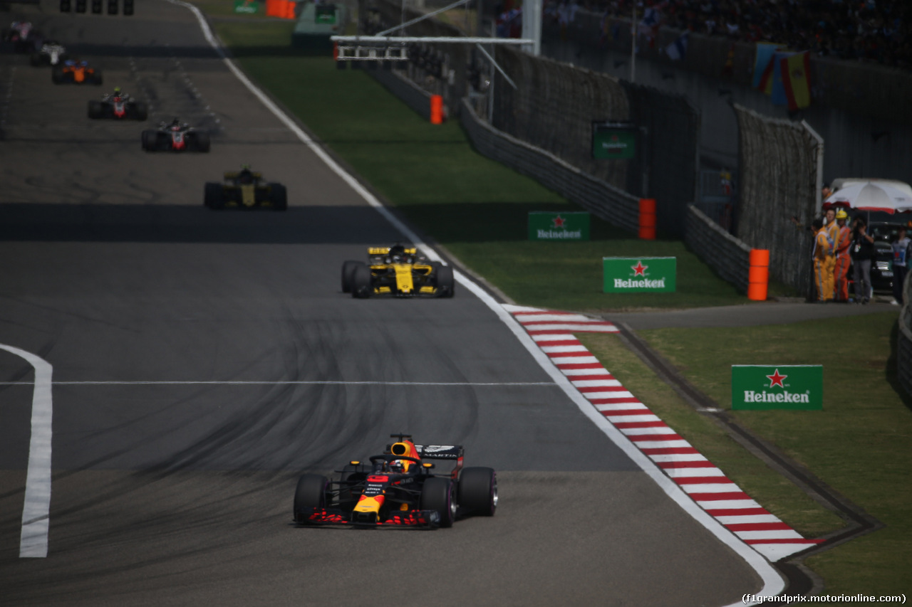 GP CINA, 15.04.2018- Gara, Daniel Ricciardo (AUS) Red Bull Racing RB14