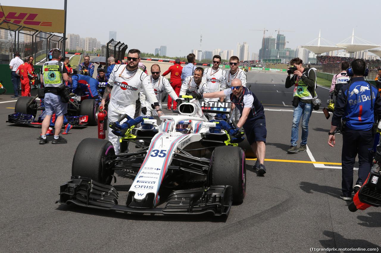 GP CINA, 15.04.2018- partenzaing grid, Sergej Sirotkin (RUS) Williams F1 Team FW41