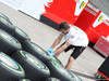 GP CINA, 12.04.2018- Mercedes mechanic works on tyres