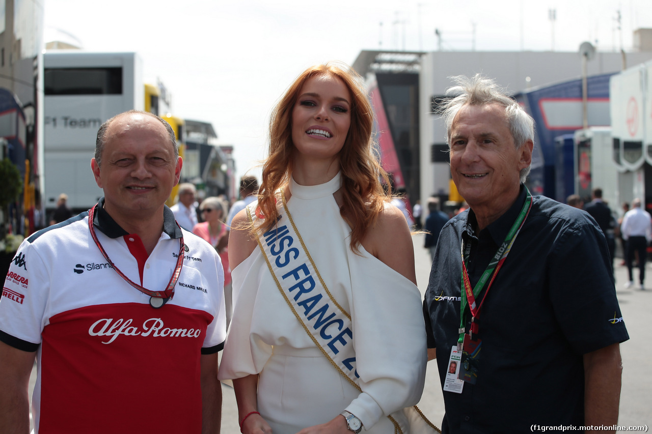 GP FRANCIA, 24.06.2018- Maeva Coucke (FRA) Miss France with Frederic Vasseur (FRA) Alfa Romeo Sauber F1 TeamPrincipal