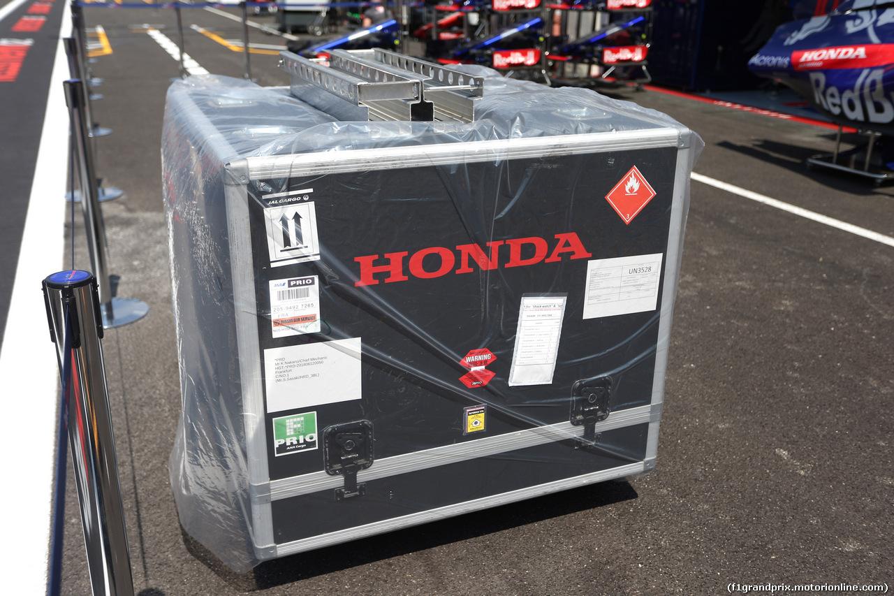 GP FRANCIA, 21.06.2018- Honda Engine in Flightcase