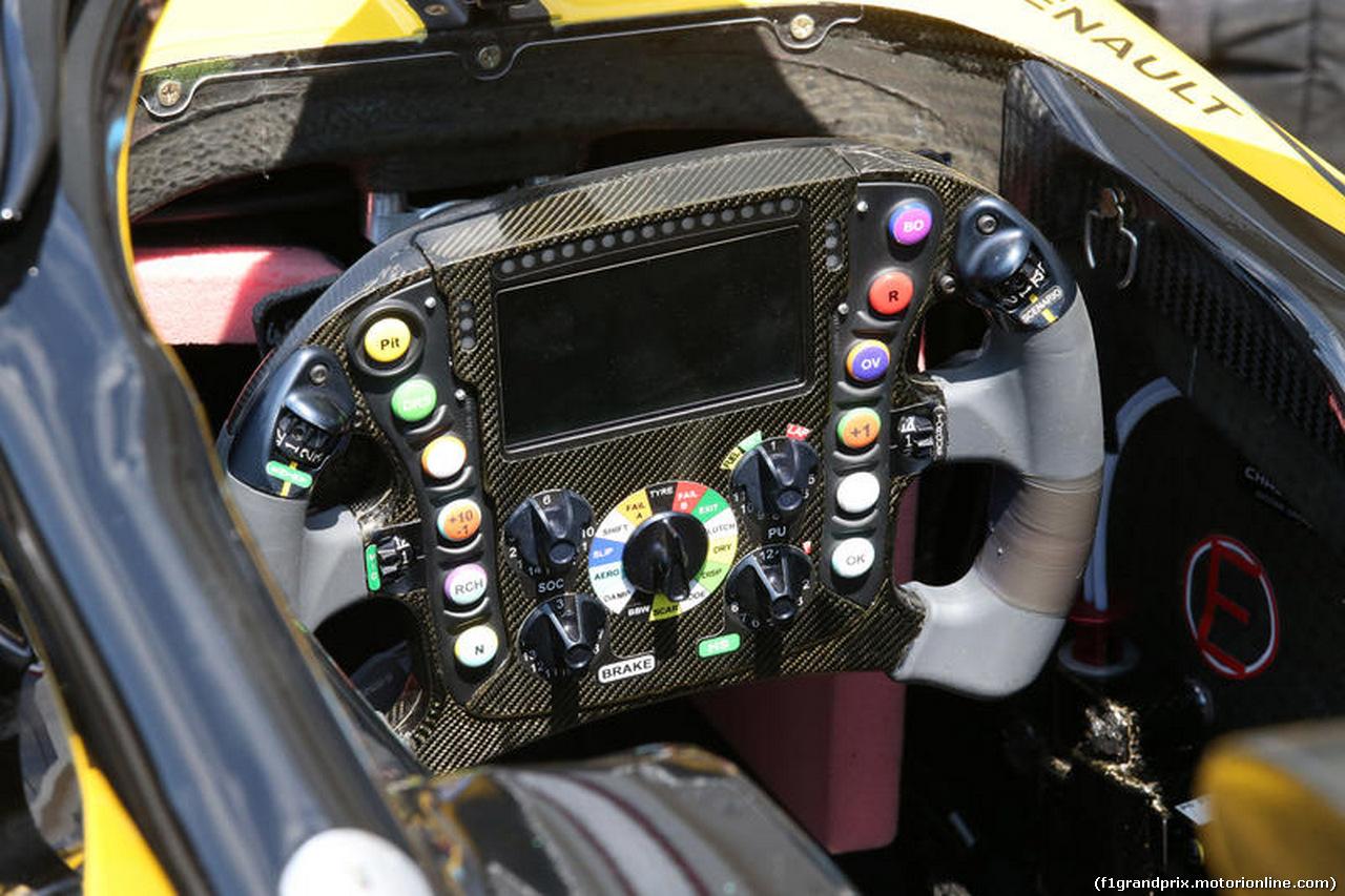 GP FRANCIA, 21.06.2018- Renault Sport F1 Team RS18 steering wheel