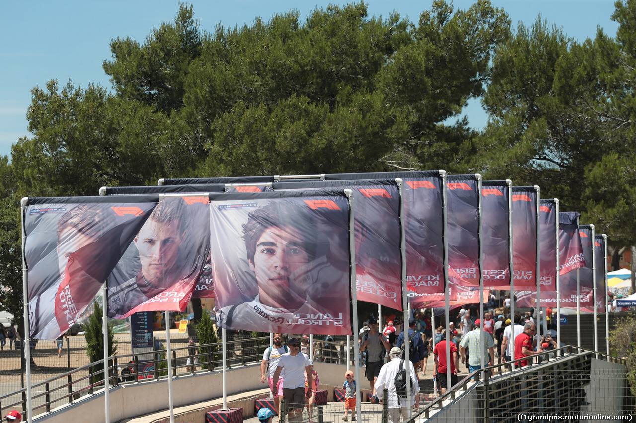GP FRANCIA, 22.06.2018- Flags with drivers portrait