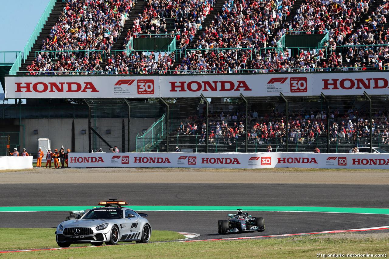 GP GIAPPONE, 07.10.2018 - Gara, The Safety car e Lewis Hamilton (GBR) Mercedes AMG F1 W09