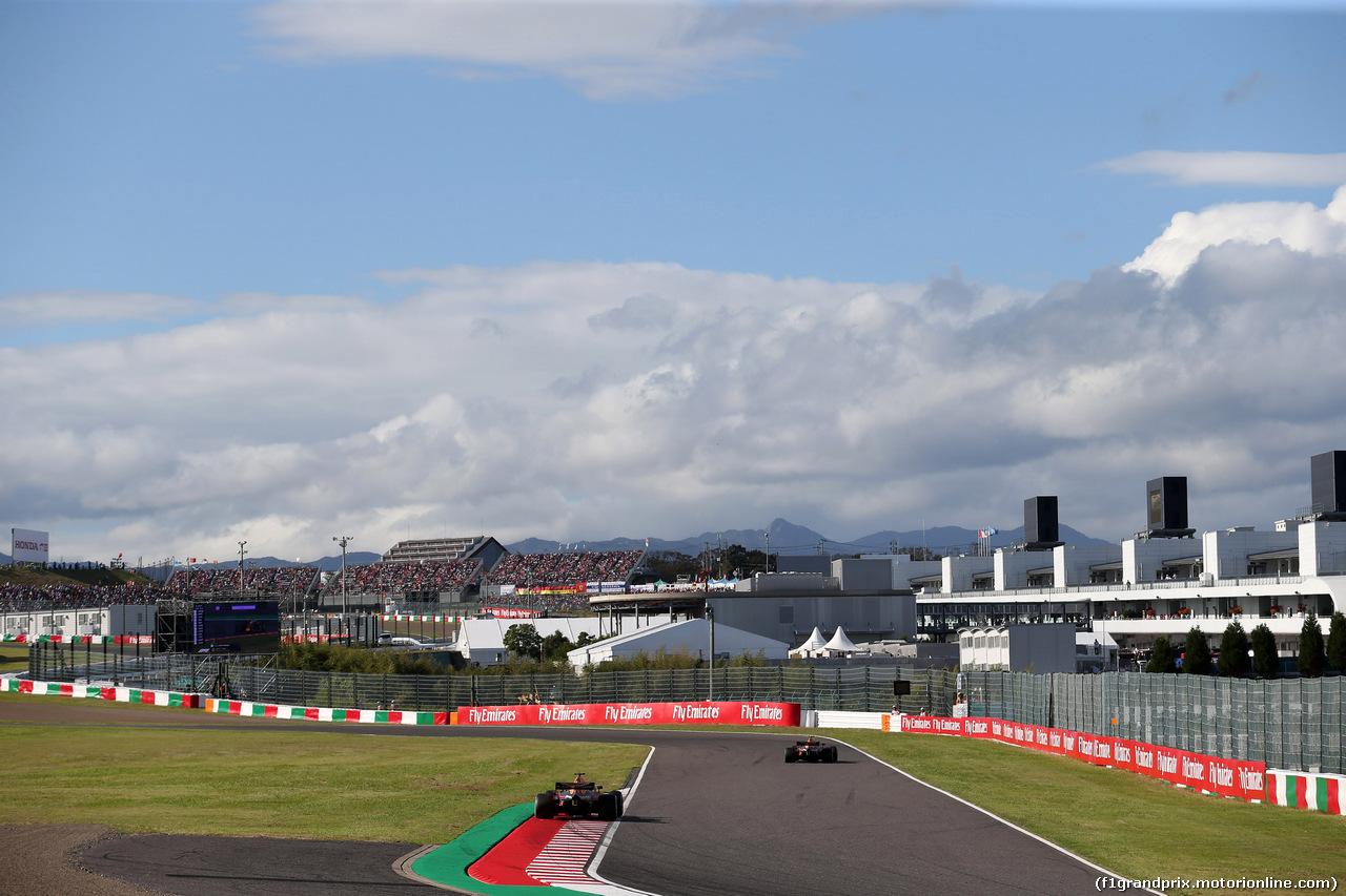 GP GIAPPONE, 07.10.2018 - Gara, Daniel Ricciardo (AUS) Red Bull Racing RB14 e Max Verstappen (NED) Red Bull Racing RB14