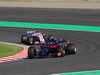 GP GIAPPONE, 07.10.2018 - Gara, Pierre Gasly (FRA) Scuderia Toro Rosso STR13 davanti a Sergio Perez (MEX) Racing Point Force India F1 VJM11